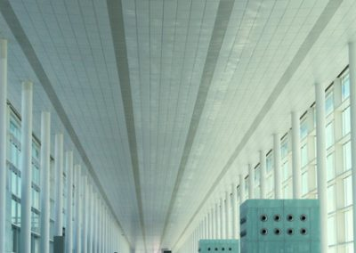 Interior T1 aeropuerto del Prat