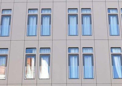Regeneración de la fachada de un hotel